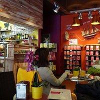кафе в Шоколадной фабрике