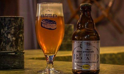 bière blonde 6.5° 33cl de haute fermentation, refermenté en bouteille, sans colorants ni additif