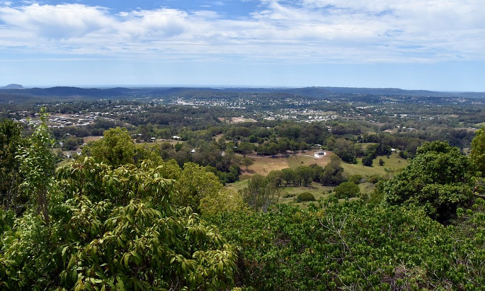 View from Dulong Lookout to the Sunshine Coast