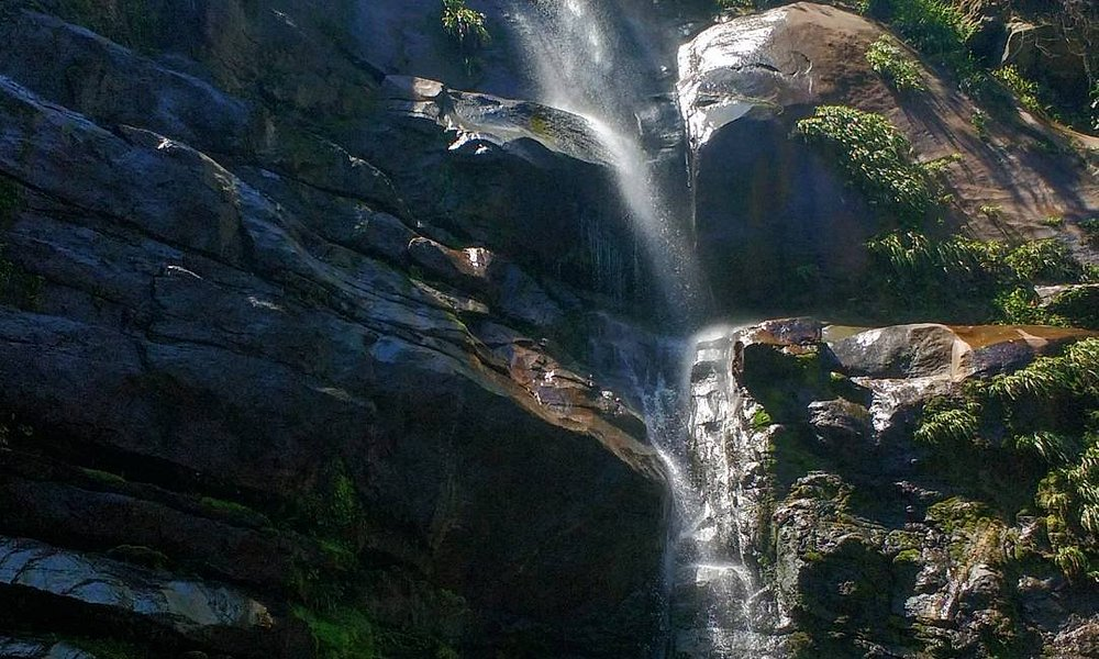 Vista da Cachoeira Veu da Noiva em Muriqui