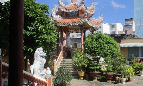 Photo prise par Guy Lazignac_10179_130422_Chùa Quảng Tế_Long Xuyên_VN