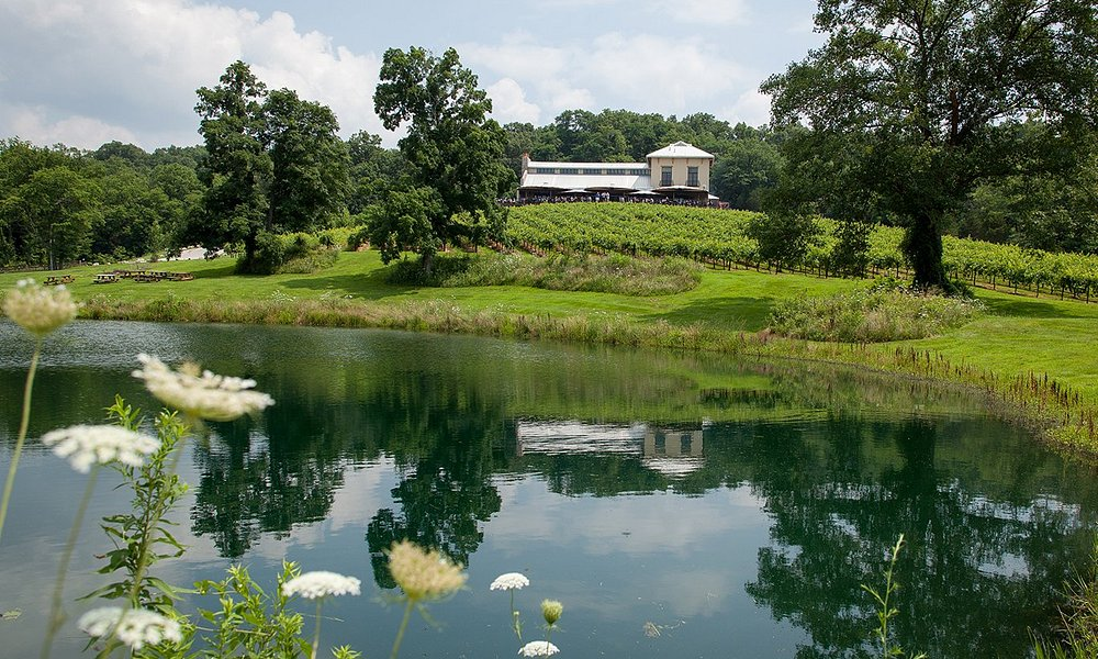 Chandler Hill Winery in Historic Missouri WIne County