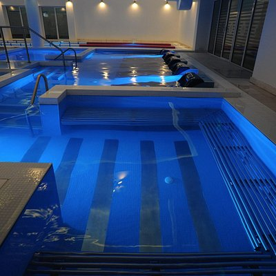 Aqvatonic Pool - Bubble Bath