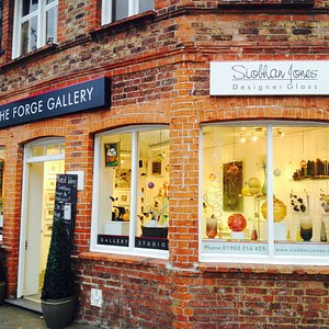 Home of Siobhan Jones Designer Glass & Ashes in Art. There is a lot going on here at The Forge!