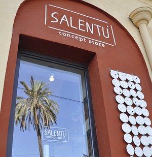 Salentù est un laboratoire et point de vente d'objets contemporains qui tisse ses liens autour d