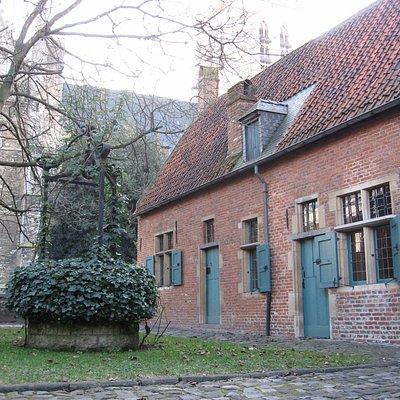 Béguinage d'Anderlecht, l'église saint Pierre et Guidon