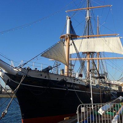 historische Schiffe im Hafen