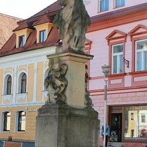 La statua con le case