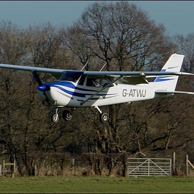 Stuck for a gift idea? Why not book a pleasure flight or trial lesson?!