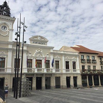 Ayuntamiento en la Plaza Mayor de Guadalajara.