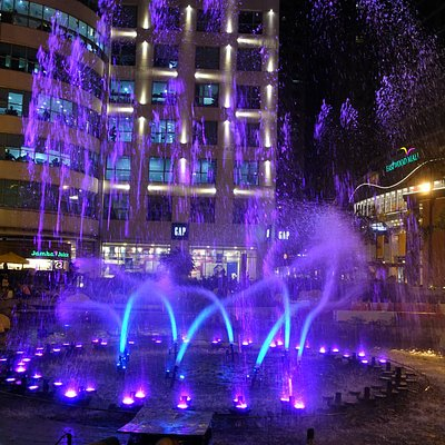 Musical fountain outside Eastwood mall in action