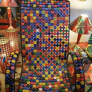 chaise avec bouchons plastiques