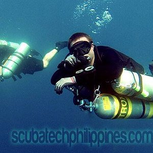 Technical diving in sidemount and backmount