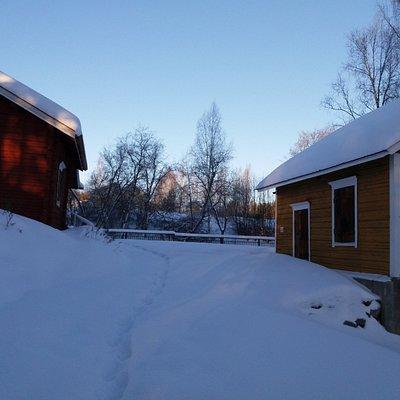 Myllymuseon alue talviunessa