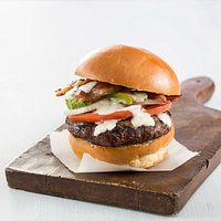 North Wildwood Burger (Applewood smoked bacon, avocado, tomato, onion & homemade ranch dressing)