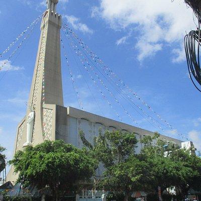Photo prise par Guy Lazignac_15065_150902_Eglise Sainte Thérèse_Long Xuyen_VN