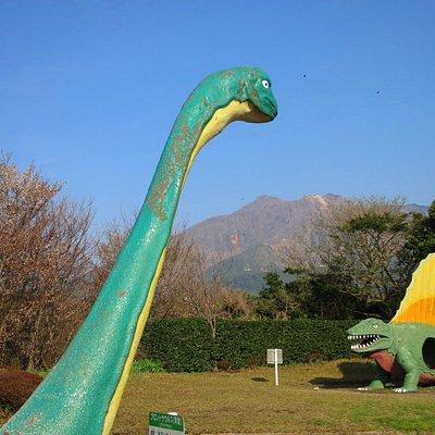 桜島とブラキオザウルスVSステゴサウルス