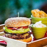 garden on 8 burger