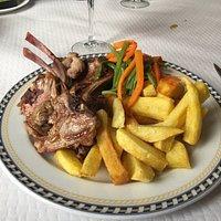 Chuletitas de cordero (milk-fed lamb chops)