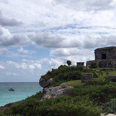 Tulum es la unica Zona Arqueologica que se encuentra a lado del mar Caribe con vistas impresiona