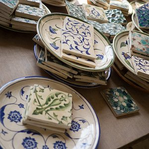 Plates and tiles