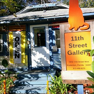 A sunny Florida morning at the gallery