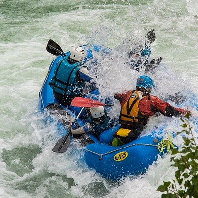 Emoción y adrenalina en la actividad de Rafting