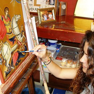 In our workshop, we craft sacred Byzantine Icons, according to the Byzantine traditional techniq