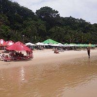 Los clásicos bares de la playa. Muy buen servicio con precios normales.