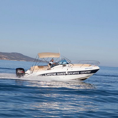 Marinello Eden 26 225hp available for self-drive rental, for up to 8 passengers!