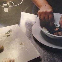 zuppettadi cozze,zola,curcuma,spinaci croccanti