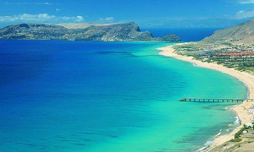 Simplesmente espectacular com águas calidas de azul turquesa um autêntico paraíso em Portugal.