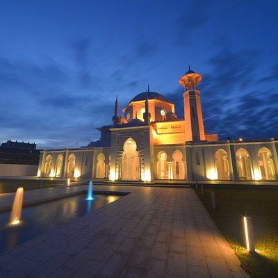 The historical mosque museum at night