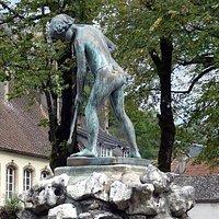 Statue du pêcheur de Chavots par Gustave Courbet