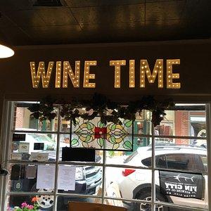 Good friends &egoism wine = Fun times