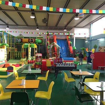 Porco giochi per bambini da 0 a 10 anni con gonfiabili alto fino a 6 metri ecc!!