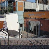 マルクト広場の地下にある市立美術館の分館です