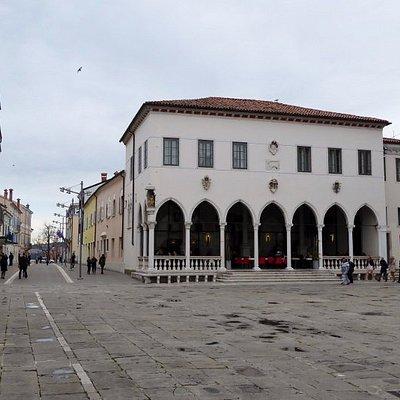 Loggia (1463), place Titov, Koper