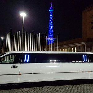 Lincoln Town Car WAVE bis zu 8 Personen