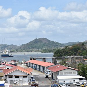 Panama canal - On tour with City Jungle Taxi