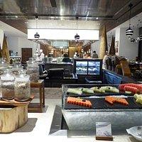 水果,麵包與湯品台