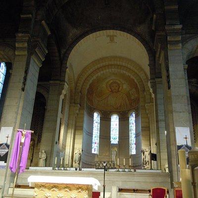 le maître autel et le choeur