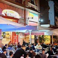 Disfruta de su perfecta ubicación en plena calle de La Noria.