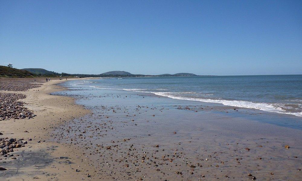 Extensas playas (16kms) ininterrumpidos de arena y mar