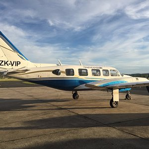Twin-engine, 9 seat, all weather Piper Chieftain