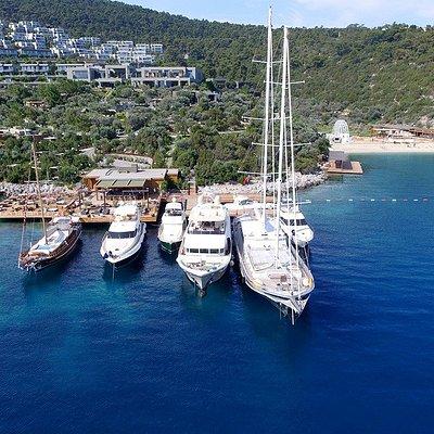 NIS Charter Yacht Fleet
