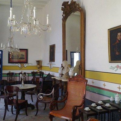 Salón amoblado estilo Siglo XVII ó XIX