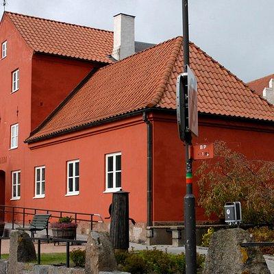 Åhus museum from the outside.