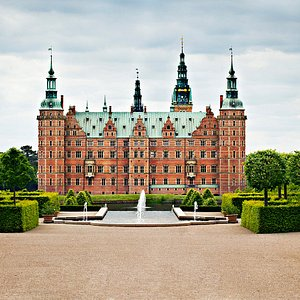 Frederiksborg Slot fra haven / Frederiksborg Castle from the garden