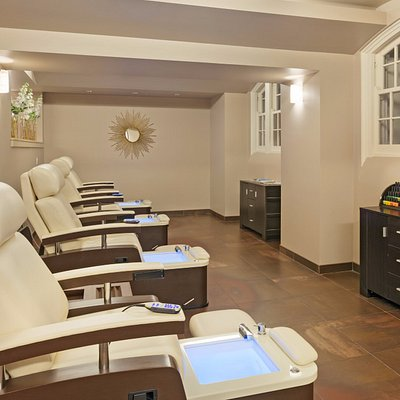 Pedicure Stations with Massage Chairs